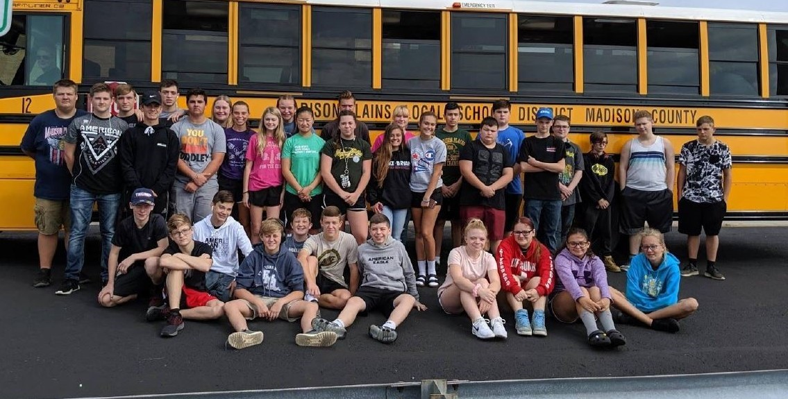 FFA students heading to a competition